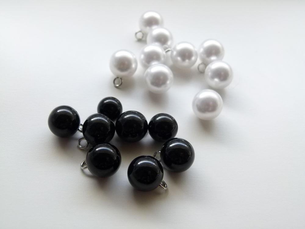 Personaliza tu ropa con muchas perlas de diferentes tamaños