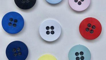 Botón Colores 4 Taladros Negros