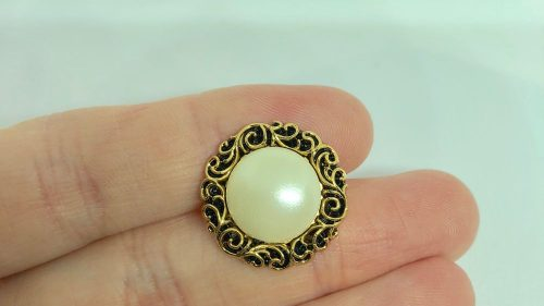 Botón Perla Chanel Retro