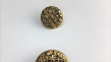 Botón Oro Trama Floral