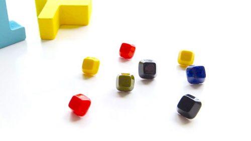 Botón Tachuela Cuadrada