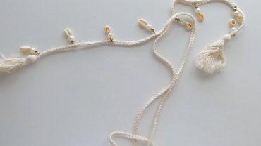 Cinturón Perlitas Y Conchas Color Crudo