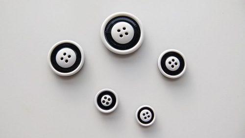 Botón Black & White 4 Agujeros