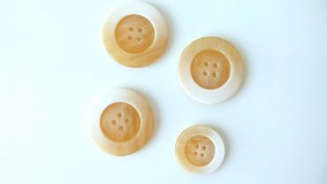 Botón Cream & White