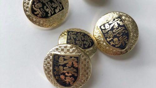 Botón Escudo Oro 3 Leones